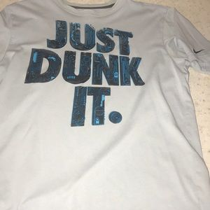 "Men's Nike Tee "" Just Dunk It ""-Sz Medium"